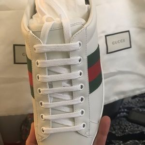 Brand new! Authentic Gucci ACE leather lace up